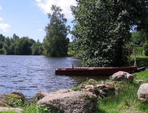 étang et barque